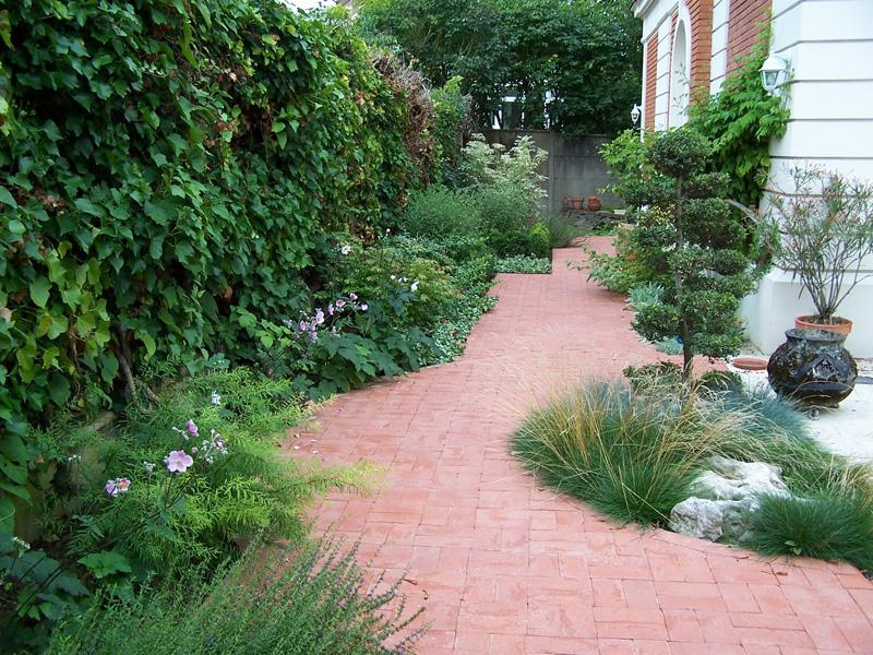 Les Jardins à l'Ancienne, allée