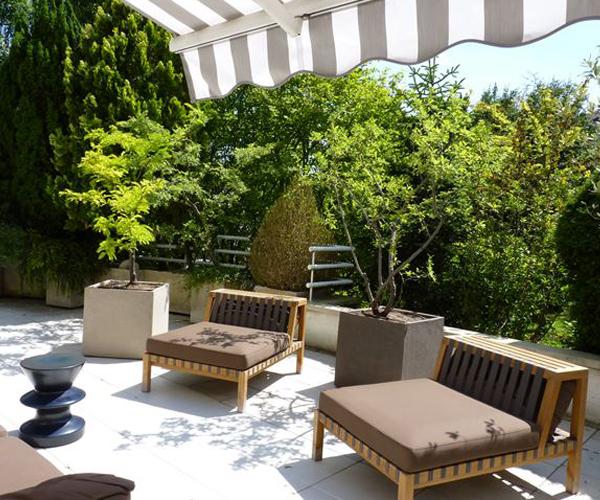 Les Jardins à l'Ancienne, terrasse, poterie, plantes, chaises, espace détente, bois, jardin