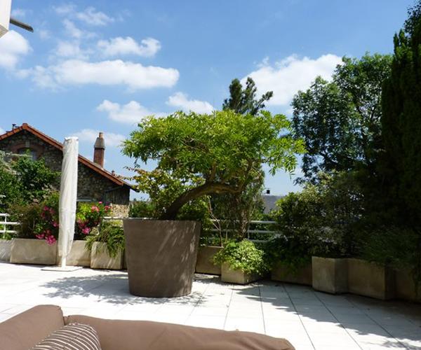 Les Jardins à l'Ancienne, terrasse, poterie, plantes
