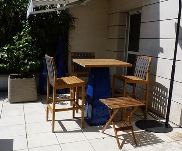Les Jardins à l'Ancienne, terrasse, table et chaises